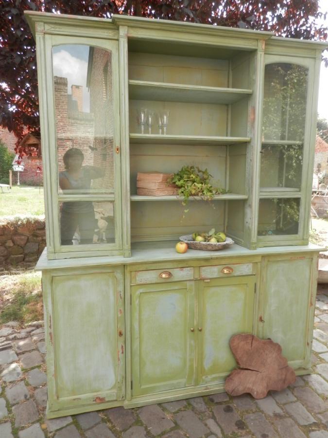 vaisselier de cuisine patine verte mobilier sortie 10 les antiquaires de stockel. Black Bedroom Furniture Sets. Home Design Ideas
